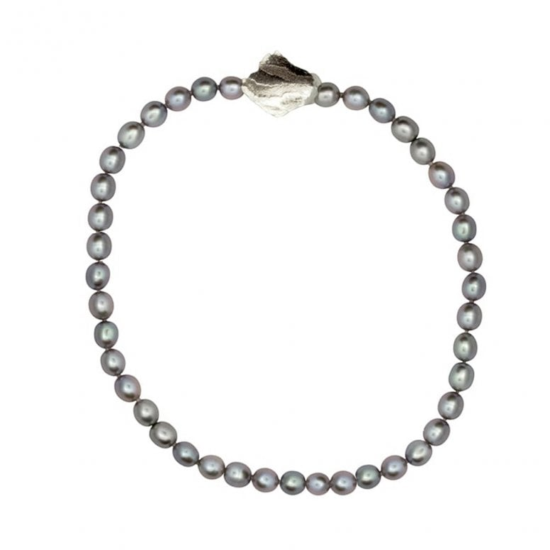 Edges Pearl Choker with Kite catch